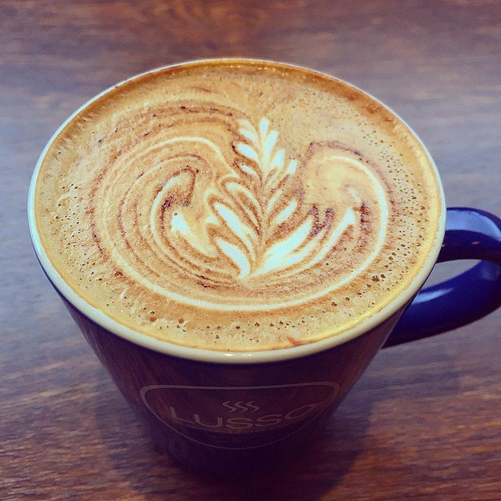 Cafe LUSSO(カフェ ルッソ)