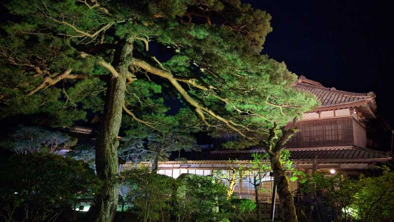 豪農の館ライトアップ【北方文化博物館】