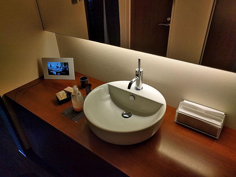 花壇-トイレ