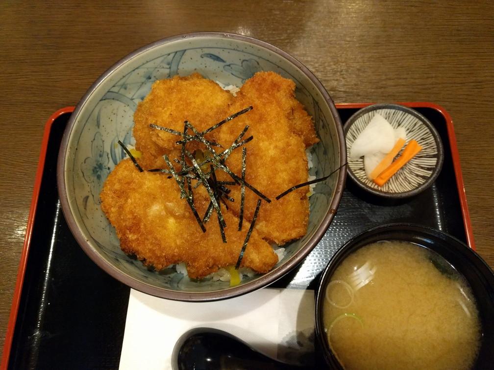 定食吉田屋 タレカツ丼