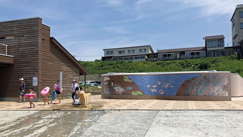 瀬波温泉海水浴場北口施設2